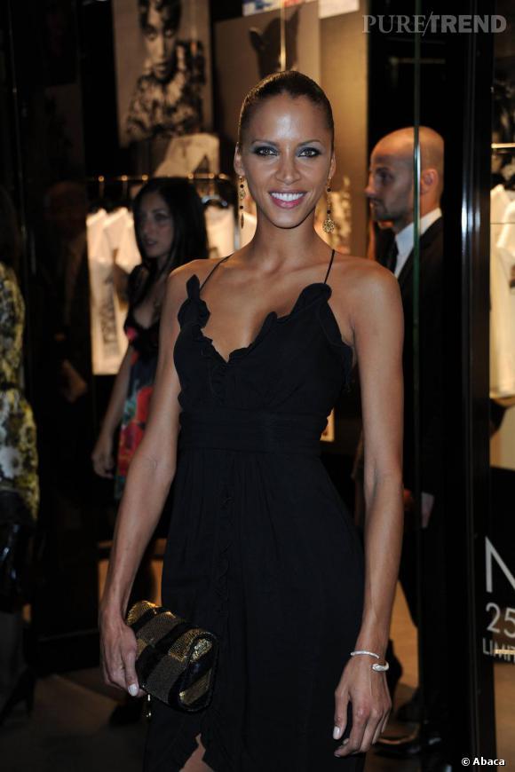 La belle Noémie Lenoir chez Dolce & Gabbana.