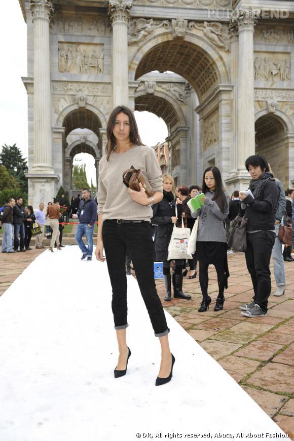Géraldine Saglio du  Vogue Paris  en pantalon 3/4