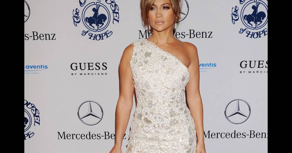 Jennifer en robe georges chakra haute couture printemps for Prix de robe de mariage en or georges chakra