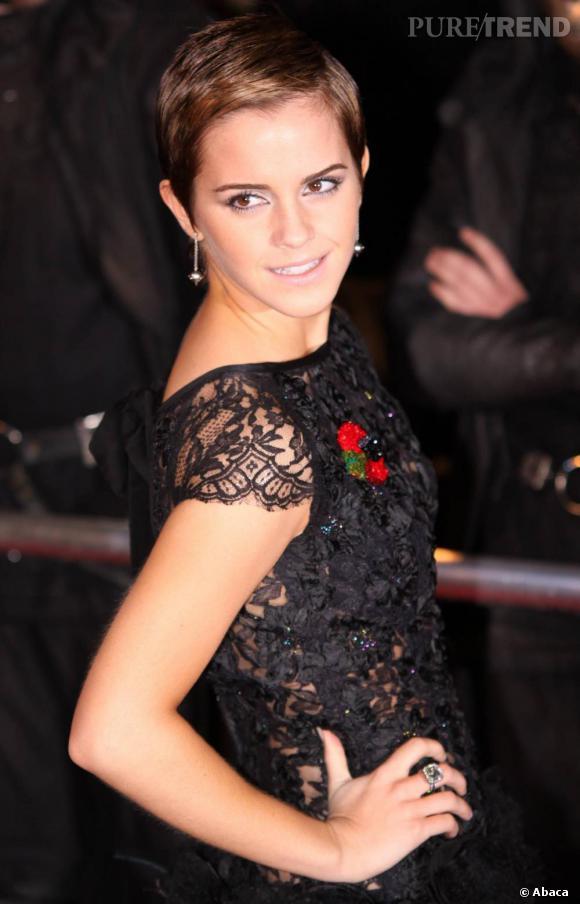 Emma Watson lumineuse sublime son visage avec des bijoux Solange Azagury Partridge.