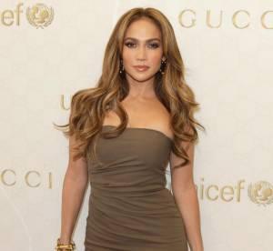 Jennifer Lopez, sexy en deux tenues