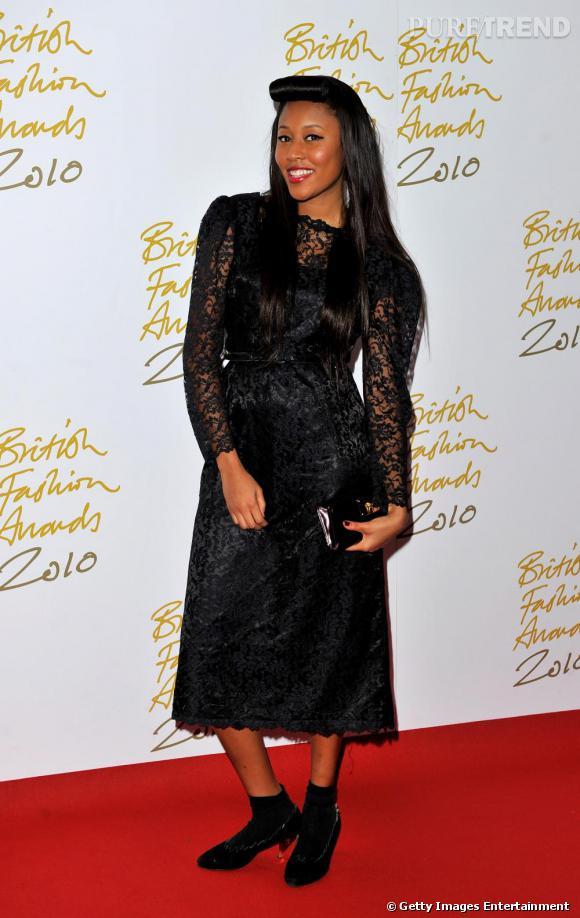 La chanteuse VV Brown, férue de mode était aussi présente.