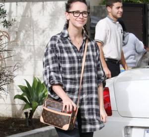 Jennifer Love Hewitt joue les nerds