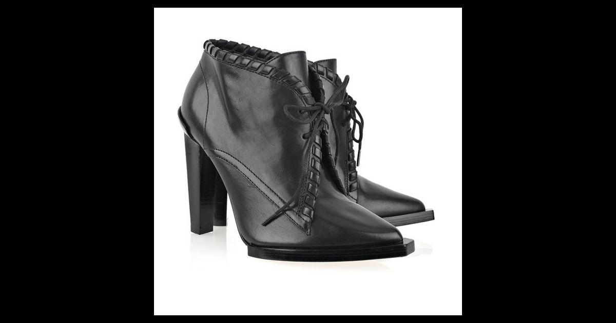 boots alexander wang elle ose cette saison une petite infid lit ses escarpins noirs avec une. Black Bedroom Furniture Sets. Home Design Ideas