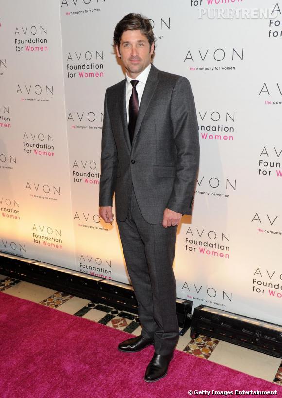 Patrick Dempsey : magnifique manipulation du costume gris ici. Le costard est rehaussé grâce à une cravate bordeaux. Chapeau bas !