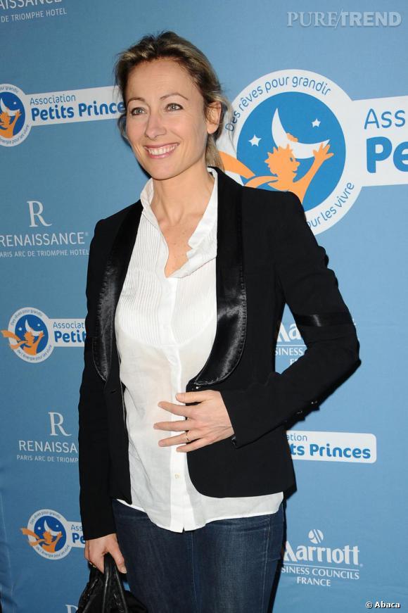 Anne-Sophie Lapix, à la cérémonie de remise de Légion d'Honneur de Dominique Bayle, fondatrice de l'association Petits Princes.