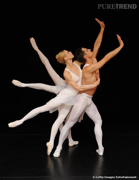 Karl Lagerfeld signe les costumes de  The Dying Swan,  pour l'English National Ballet, en 2009.