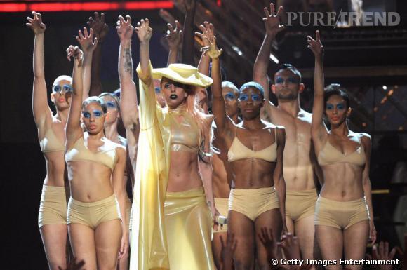 Lady Gaga, reine du latex.