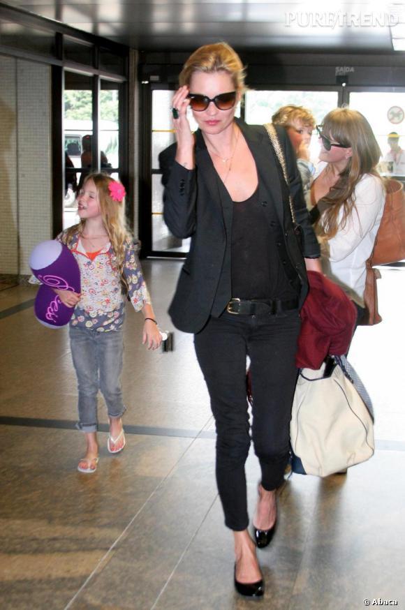 Kate Moss, une allure parfaite pour prendre l'avion.