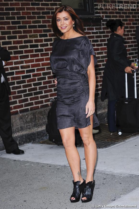 Alyson Hannigan, glamour en robe fendue.