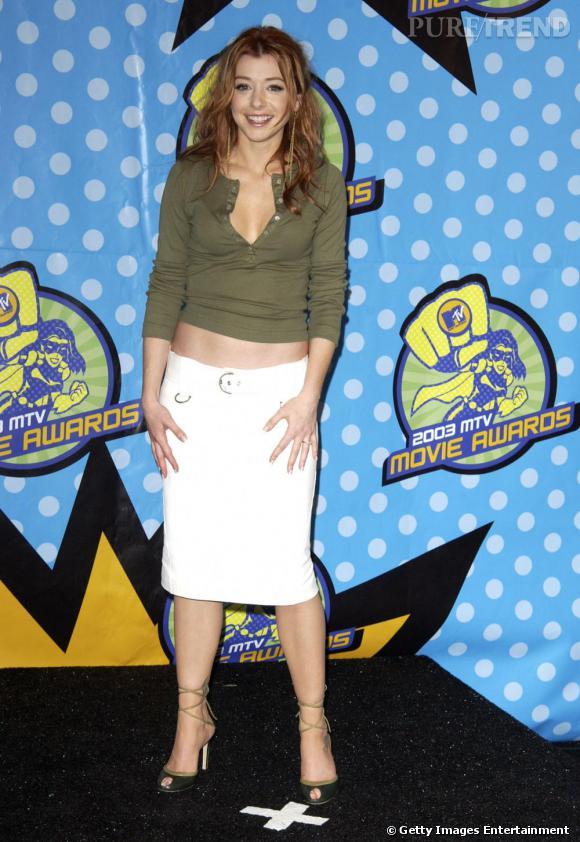 Alyson Hannigan laisse une fois de plus son ventre à l'air... Un look so 90's dont on est pas fan.
