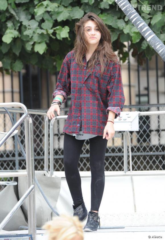 Sa mère a beau être la reine de la pop, Lourdes semble plutôt prendre Kurt comme fashion icon.