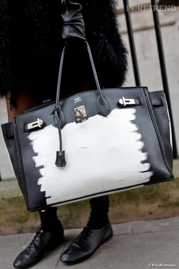 988d4d8219 Son sac : iconique Un Birkin d'Hermès bicolore, comme peint à la ...
