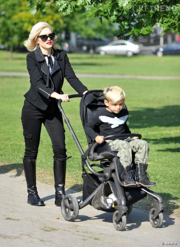 Gwen Stefani en balade dans les rues de Londres avec son fils.