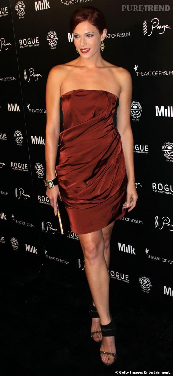 """C'est qui elle ?  Amanda Righetti, flic sexy dans """"The Mentalist"""" qui ferait presque succomber les tueurs."""
