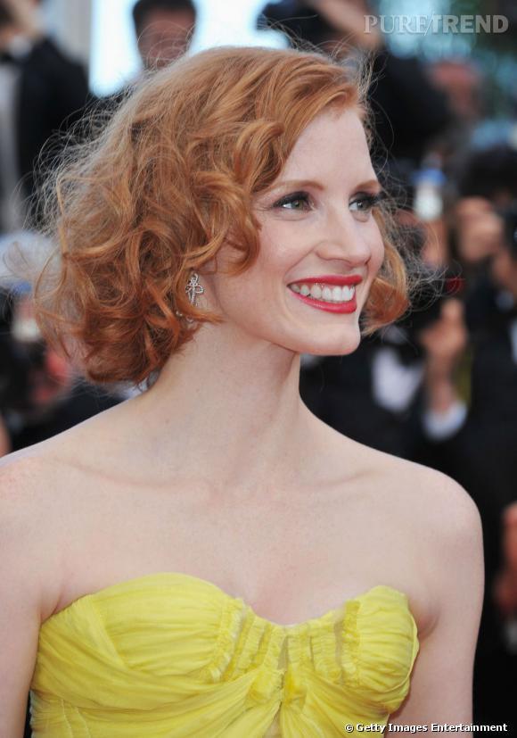 Cannes : les plus belles coiffures du lundi 16 mai    Jessica Chastain opte pour un carré aux ondulations rétro, le roux est lumineux.