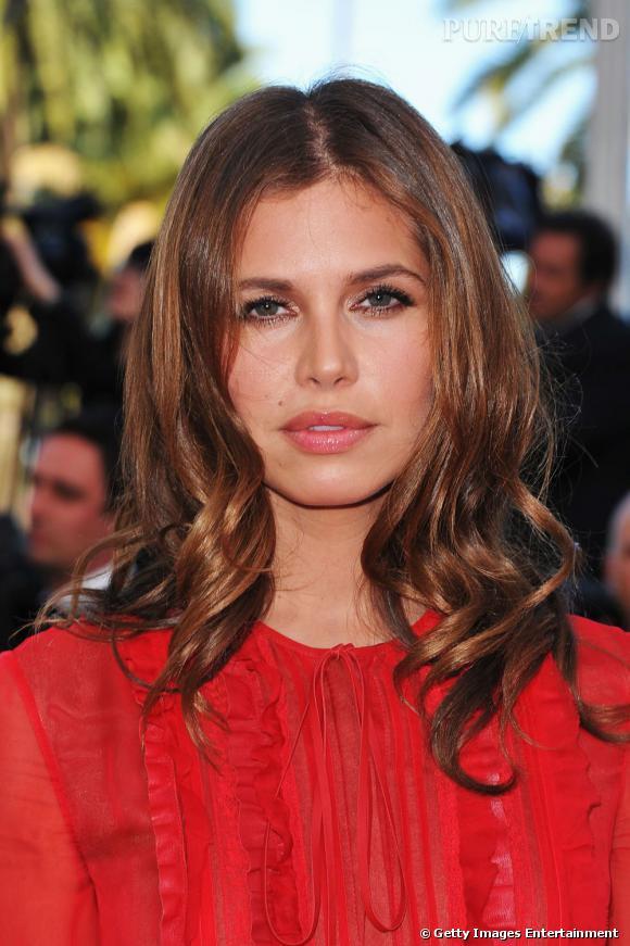 Cannes : les plus belles coiffures du lundi 16 mai    Dasha Zhukova mise sur une chevelure lumineuse et un wavy glamour.