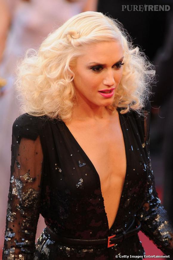 Cannes : les plus belles coiffures du lundi 16 maiPlus pop et extravagant, l'égérie l'Oréal Gwen Stefani mise sur un crinière blonde platine électrique.