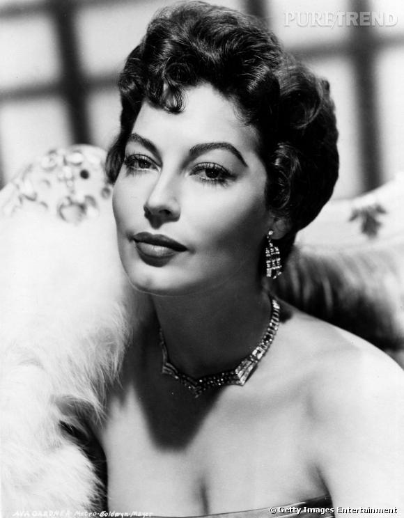 comment on se coiffait dans les ann es 50 nom ava gardner coiffure le chignon crant. Black Bedroom Furniture Sets. Home Design Ideas