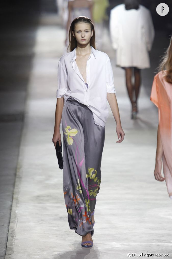 une pi ce dans l 39 esprit kimono total look pantalon ou jupe longue port s avec une chemise d. Black Bedroom Furniture Sets. Home Design Ideas