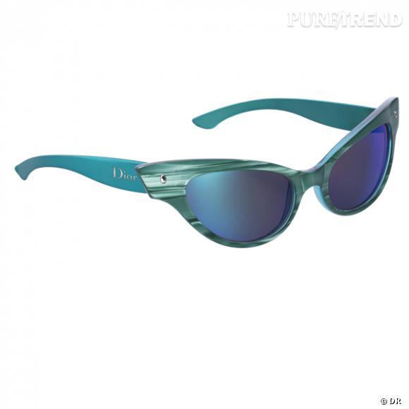 """Lunettes """" les Marquises"""", Christian Dior       Les même lunettes que Betty Page, mais version flashy, plus pop.       Prix : 315€"""