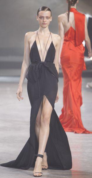 Femme fatale petite robe noire