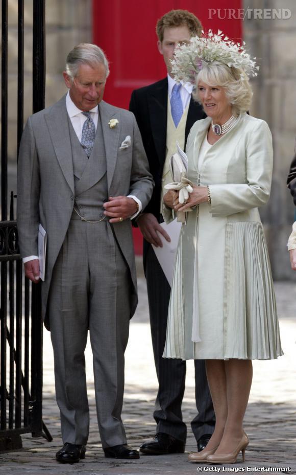 Le Prince Charles et Camilla Bowles-Parker, coiffée d'un couvre-chef original.