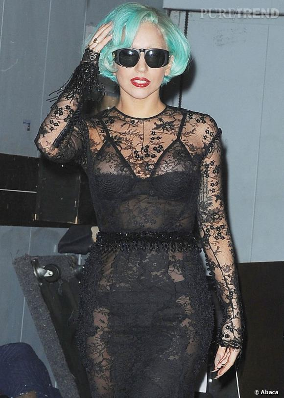 Lady Gaga devant son studio d'enregistrement à New York.
