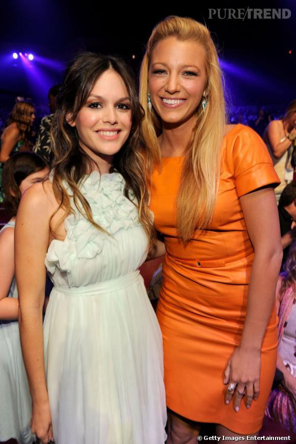 Rachel Bilson au côté de Blake Lively en Gucci.