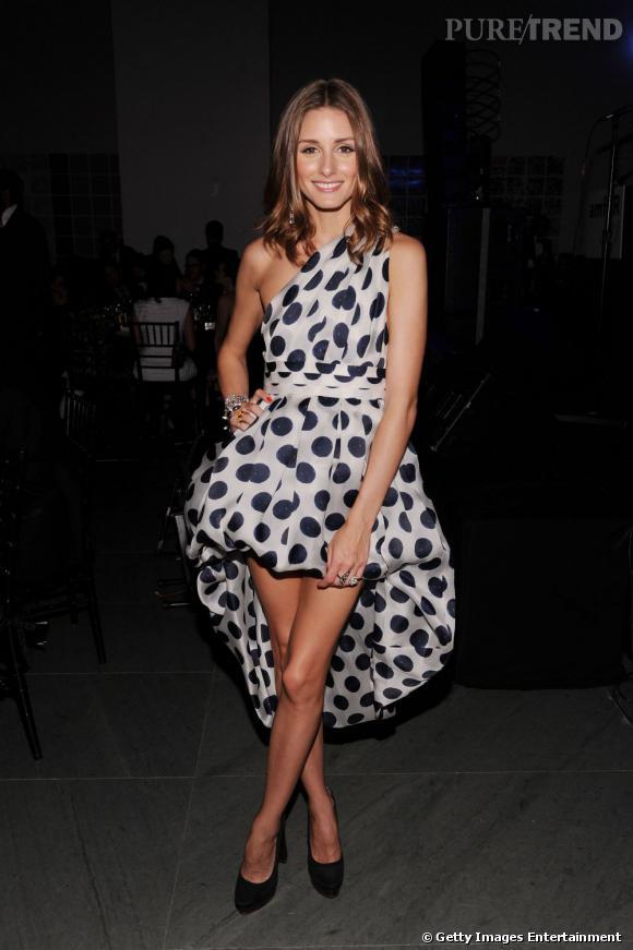 Très à l'aise côté mode, Olivia n'hésite pas à modifier elle-même les modèles des podiums comme ici avec une robe bouffante Bensoni.