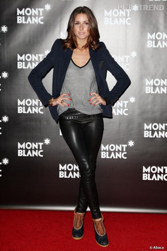 Parfois très midinette, Olivia sait aussi briller dans des looks plus rock'n'roll et ose même le cuir.