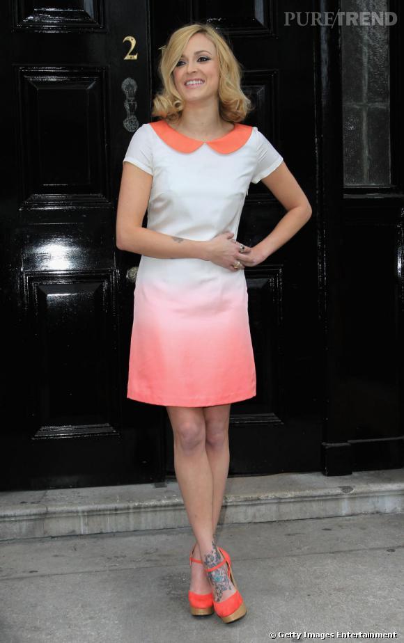 Héritière du style british, Fearne Cotton s'inspire des coupes rétro pour sa collection, comme ici avec une mod dress à courtes manches acidulée et col claudine.