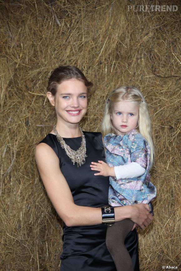5- ses enfants  : quelle que soit l'occasion, Natalia joue les mères poules et prend la pose avec sa petite famille.