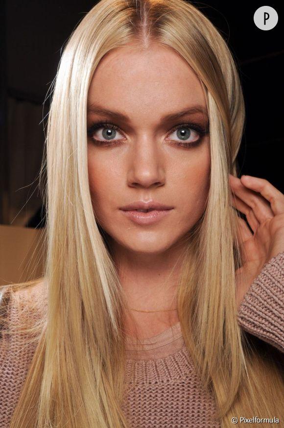 Pour resplendir et éviter de virer terne, le blond a besoin de soins.