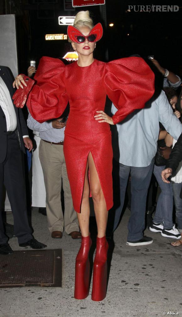 Lady Gaga à la sortie d'une séance photo pour le Vanity Fair américain.