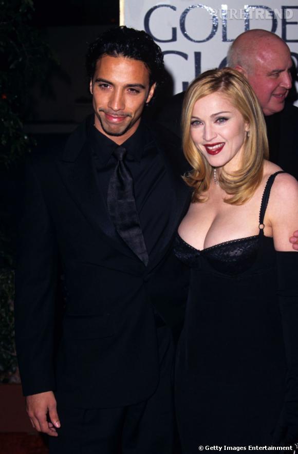 De 1994 à 1997, Madonna partage la vie de Carlos Leon, un danseur accessoirement papa de Lourdes.