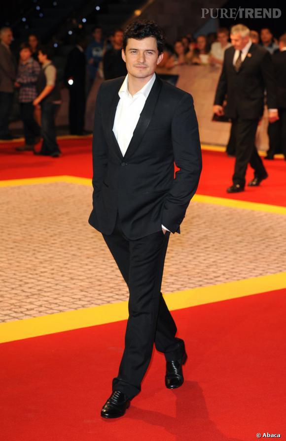 """Habitué aux films en costume (""""Pirates des Caraïbes"""", """"Le Seigneurs des anneaux"""" ou encore """"Les trois mousquetaires"""") Orlando Bloom s'offre cette aura de preux chevalier qui en fait craquer plus d'une, Miranda Kerr la première. Il est 16 ème du classement."""