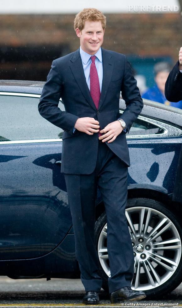 Dernier Prince disponible, Harry fait des émules en Angleterre et son côté bad boy n'arrange rien !