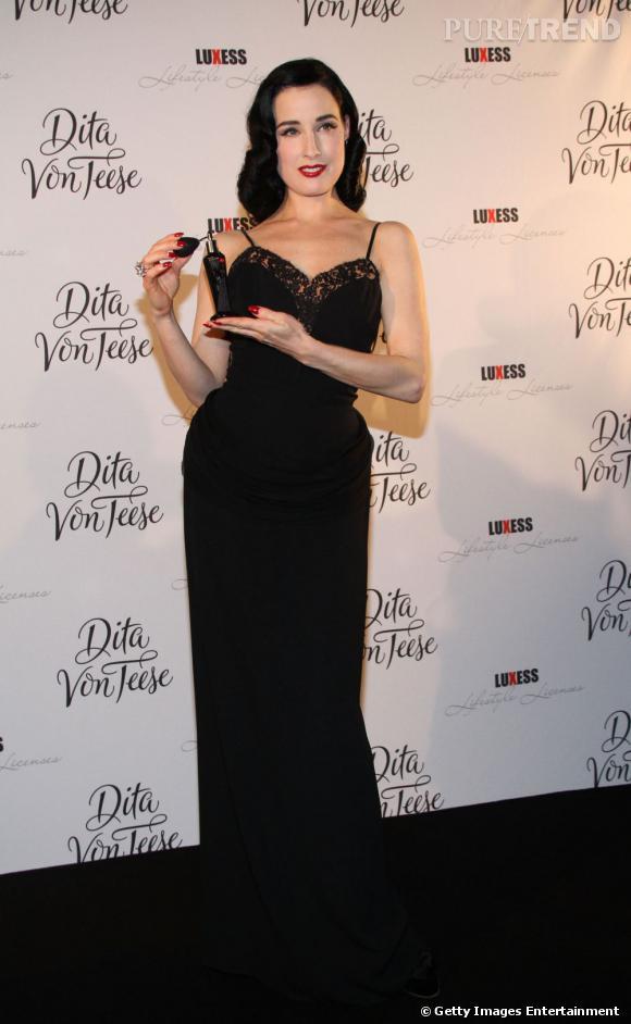 Dita Von Teese, la plus séduisante des pin-up du 21e siècle.