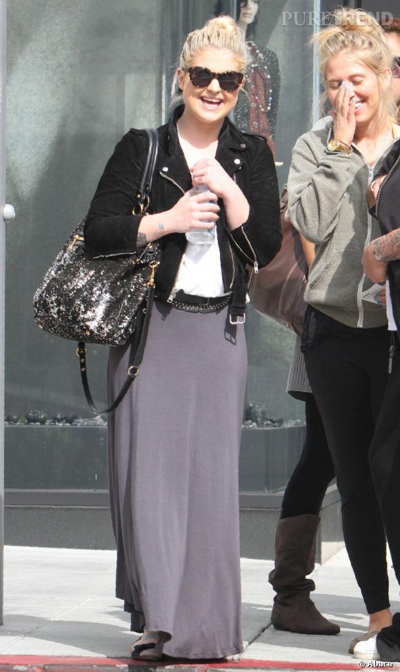 Kelly Osbourne ne ressemble à rien, ça la fait rire mais ça désespère ses copines.