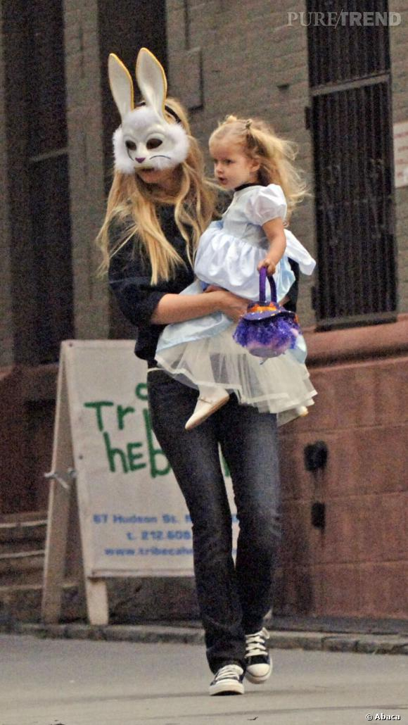Gwyneth Paltrow, pas très recherché le masque de lapin.