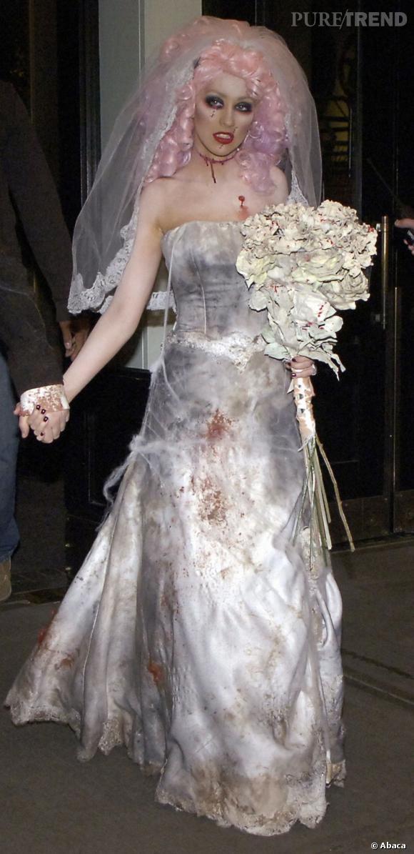 Christina Aguilera... mariée égorgée... version cagole.