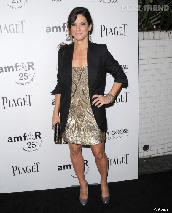 Sandra Bullock super glamour au gala de l'amfAR.