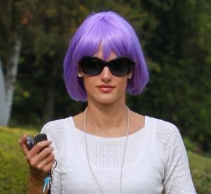 Alessandra Ambrosio, color-block en famille