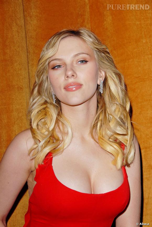 Scarlett Johansson, bombesque.