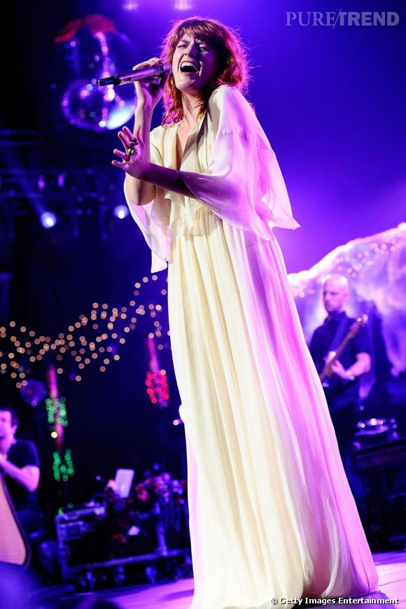 Florence Welch portant une robe Ralph Lauren.