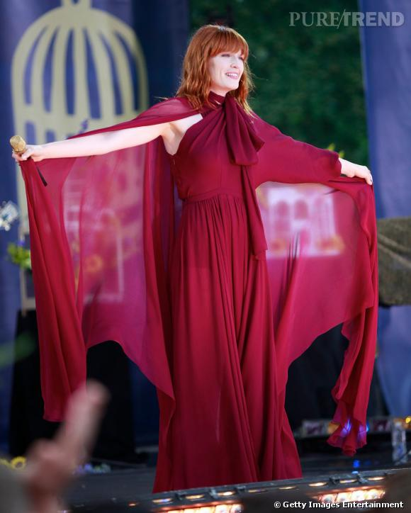 Florence Welch portant une robe Gucci.