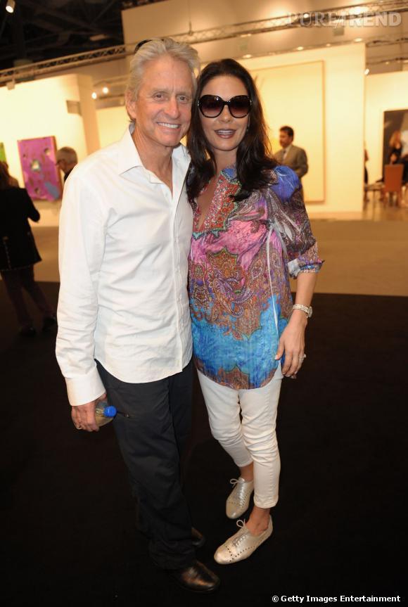 Miami Art Basel   Ils étaient là, presque incognitos et en tenue des plus décontractées, Michael Douglas et Catherine Zeta-Jones. L'amour est dans le pré de l'art contemporain.