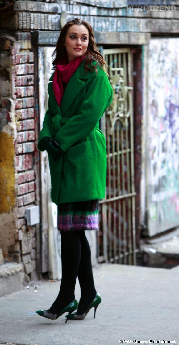 Leighton Meester se pare de couleurs éclatantes pour un look d'hiver chic et choc.