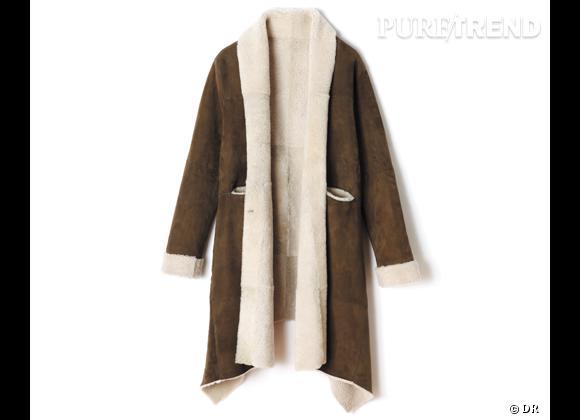 Zoom sur le mouton !     Manteau en mouton retourné Swildens, 1300 € aux Galeries Lafayette.